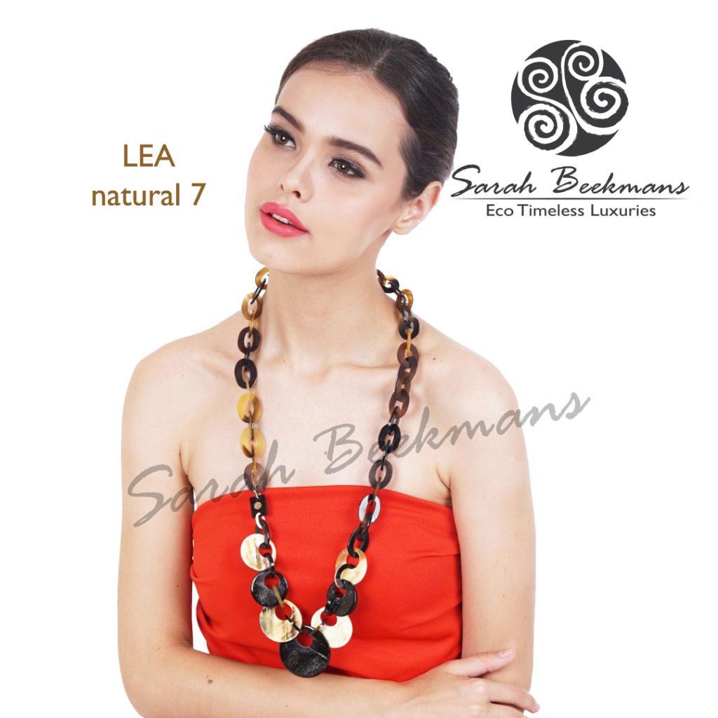 Buffalo horn necklace lea