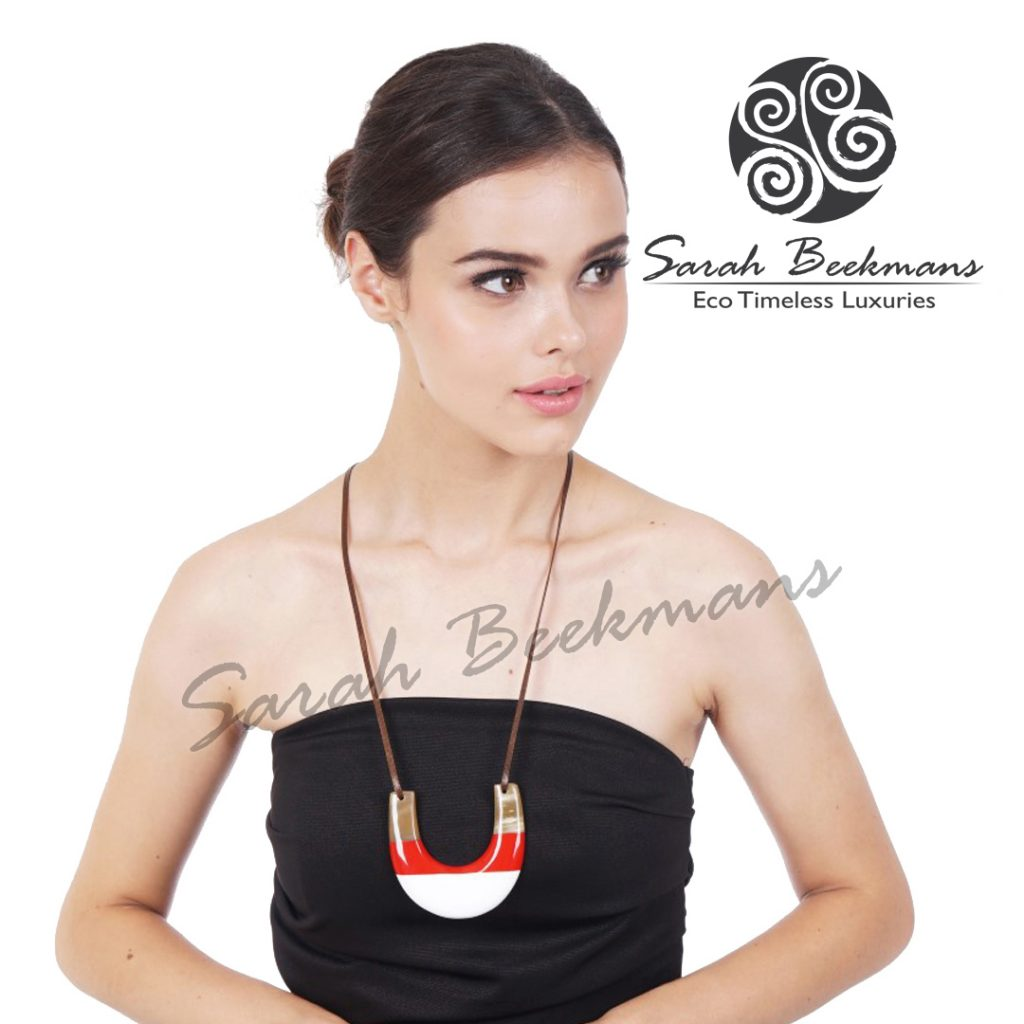 Double horn necklace meaning larissa