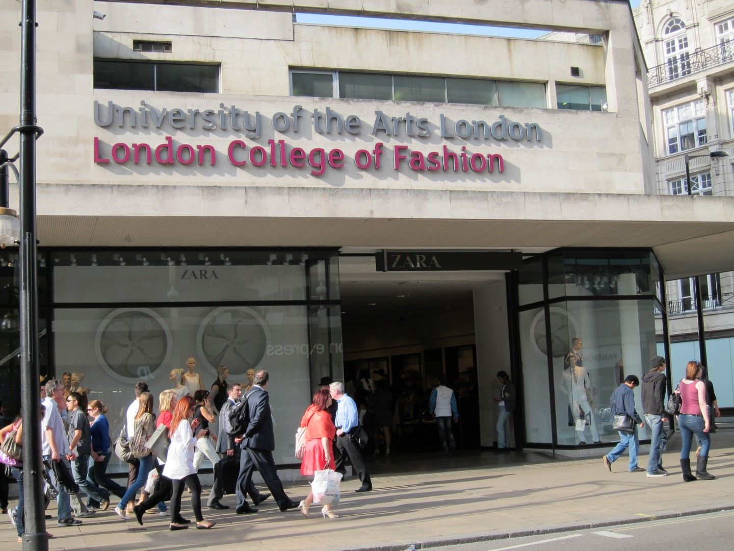 London College Of Fashion Large Horn Necklace