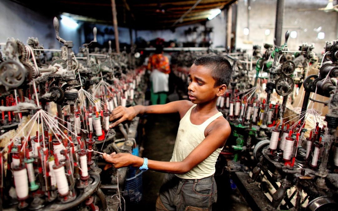 Bangladesh Children labor in the Fast Fashion Industry | Horn Necklace