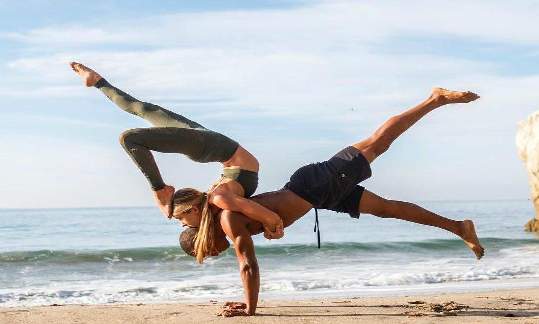 5 Benefits of Acroyoga for Women
